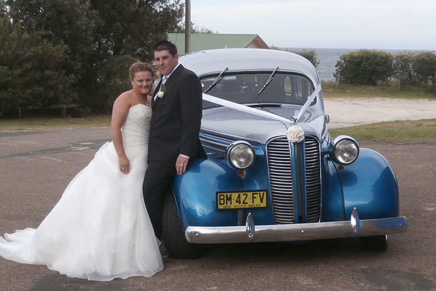 luxury nostalgic wedding car hire